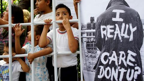 Trump-backed immigration reform bill fails, border crises rages on