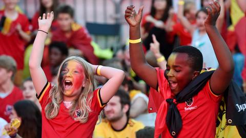 Belgium pip England to top spot as Japan sneak into World Cup last 16