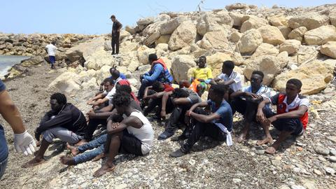 Three babies dead, 100 missing in latest shipwreck off Libya
