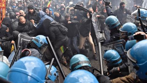 Violence mars anti-government protests in Italy
