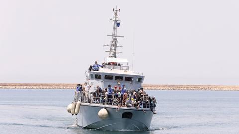 UN says migrant, refugee deaths in Mediterranean surpass 1,000 this year