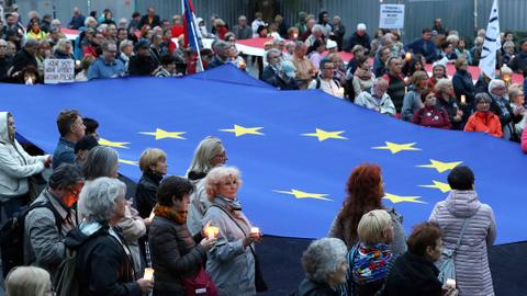 EU starts legal action against Poland over Supreme Court reform