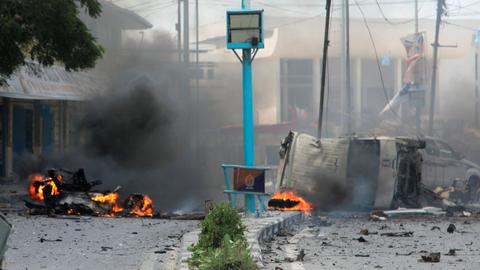 Deadly twin blasts hit Somalia's capital Mogadishu