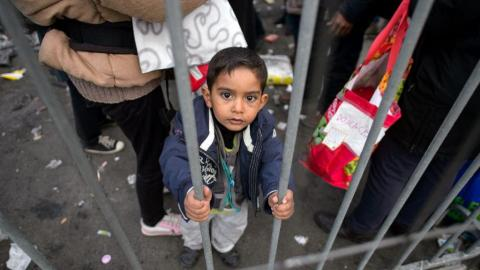 EU to extend border controls to cope with refugee influx