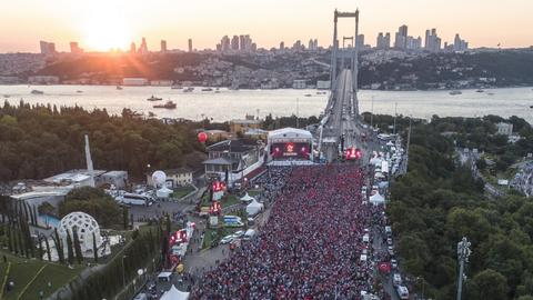 Millions in Turkey pay tribute to victims of July 15 failed coup