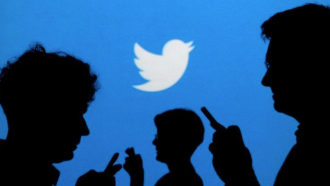 Twitter shares tumble on concerns about hacking activity