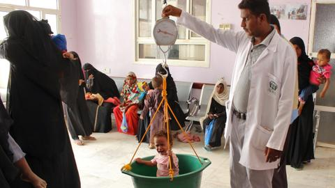 Health crisis looms as doctors flee Yemen's Hudaida