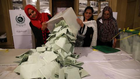 Pakistan: Several opposition parties call for fresh elections
