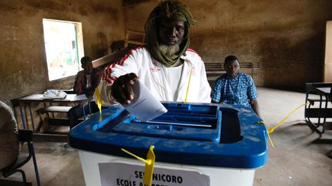 Mali votes in presidential election amid insecurity