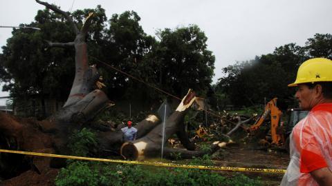 Hurricane Otto kills 3 as it barrels towards Central America