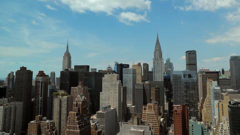 New York City votes to cap Uber, Lyft vehicle licences