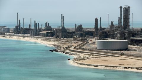 Saudi Arabia reassures Canada on oil supplies as dispute continues