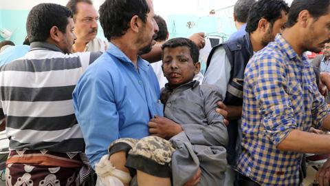 Air strikes kill schoolchildren in Yemen