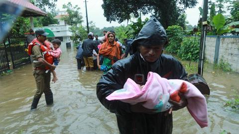 Heavy monsoon rains in India claim 67 lives