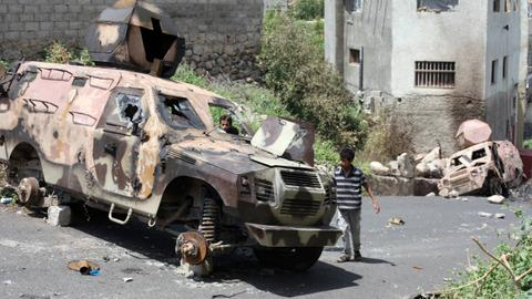 Yemeni journalist killed while covering clashes