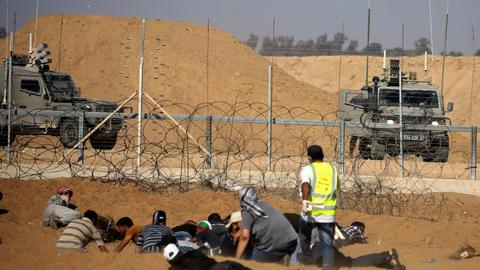 Israel closes Gaza pedestrian border crossing