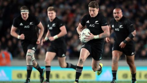 Barrett sets try record as All Blacks retain Bledisloe Cup