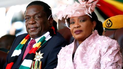 Emmerson Mnangagwa sworn in as president of Zimbabwe