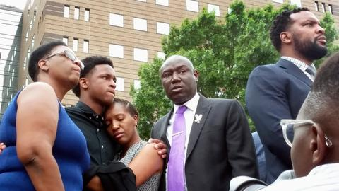 Attorneys criticise cop's affidavit in shooting of black man in Dallas