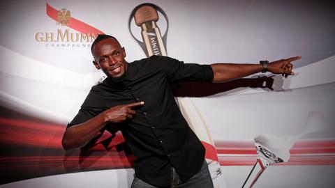 Usain Bolt enters space race in zero-gravity sprint