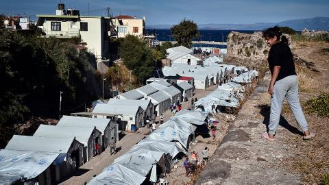 Greek tourism impacted by refugee crossings and Turkey's lira crisis