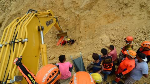 Death toll climbs to 22 in Philippine monsoon landslide