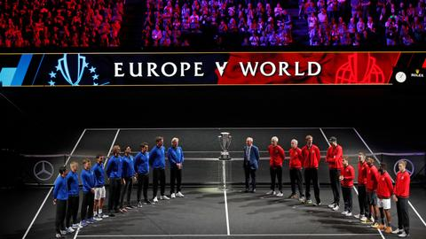 Federer, Zverev extend Team Europe's lead in Laver Cup