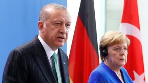 Erdogan and Merkel agree on four-way meeting on Syria