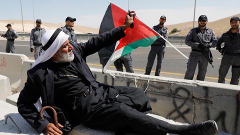 Palestinians appeal to Merkel to save Bedouin hamlet