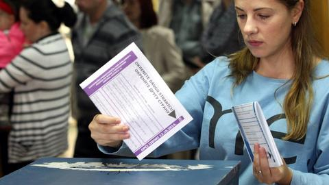 Serbia-Kosovo land swap deal looms large over Bosnian elections