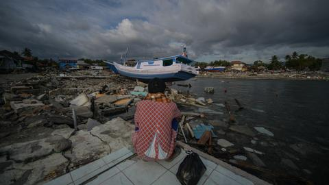 Search for Indonesia disaster victims to stop as death toll tops 1,700