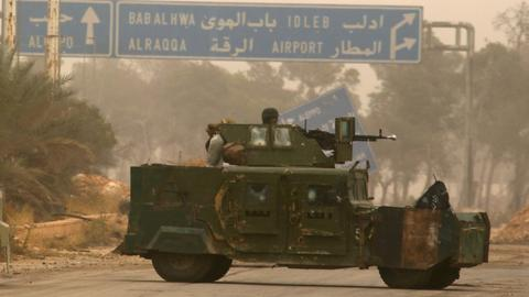 Syrian opposition withdraw heavy weapons from Idlib frontline - report