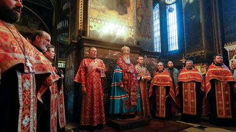 Ukraine wins approval for historic split from Russian church