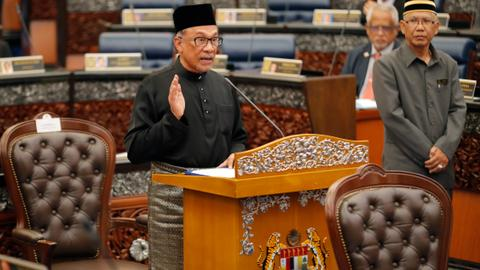 Malaysian PM-in-waiting Anwar Ibrahim takes oath as lawmaker