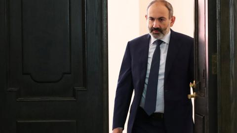 Armenian PM resigns for early election