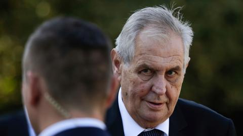 Czech President Zeman jokes about murdering journalists