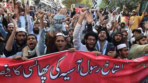 Protests in Pakistan delay release of woman acquitted of blasphemy