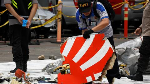 With black box damaged, Indonesia searches for Lion Air cockpit recorder