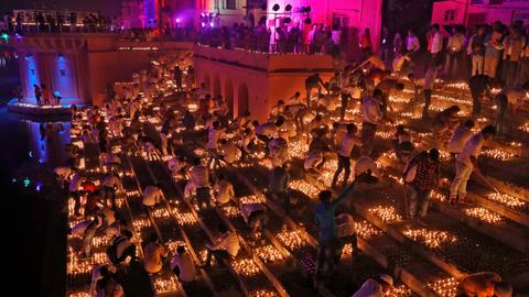 In pictures: Indian city breaks record with Diwali lamps