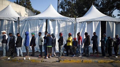 Central American migrants in Mexico determined to go to US border