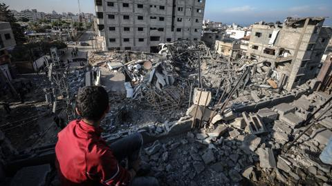 Gaza on the brink as Israeli strikes continue