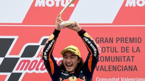 15-year-old Turkish rider Oncu wins in his 1st Moto3 race