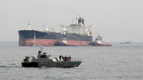 US sanctions firms in Iran and Russia for shipping oil to Syria