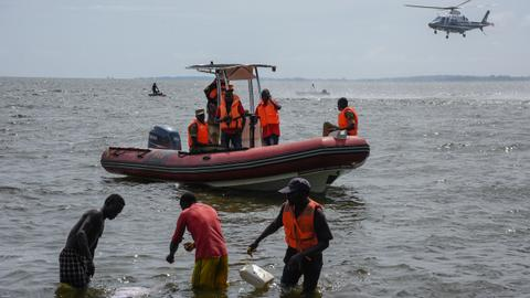 Death toll from Uganda lake accident jumps to 30