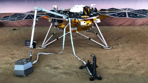 NASA spacecraft nears Red Planet on mission to detect 'marsquakes'