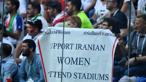 FIFA urged to give Iran deadline for allowing women into stadiums