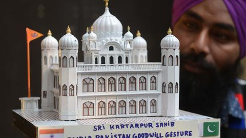 Pakistan ready to repair ties with India as shrine corridor opens for Sikhs