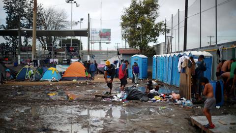 Mexico refuses to keep migrants waiting at US-Mexico border