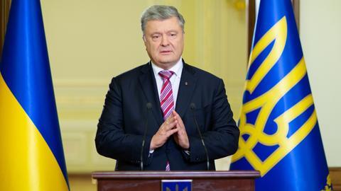 Ukraine bans entry to Russian adult men