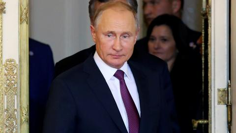 Putin says no talks with Ukraine about release of sailors